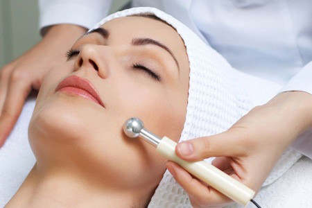 Как избавиться от капилляров на лице с помощью фотоомоложения