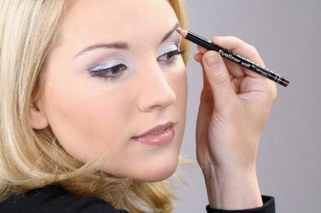 Секреты нанесения минеральной пудры для проблемной коже