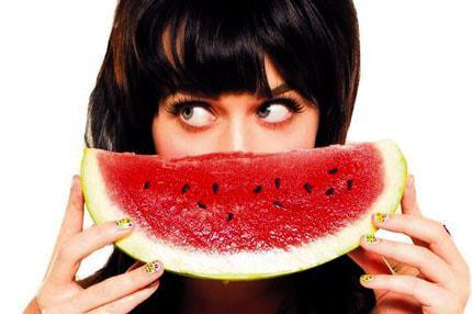 Арбуз в фруктовых масках для лица