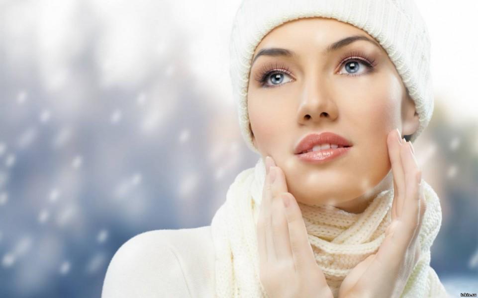 Ухаживаем за кожей лица в зимнее время года